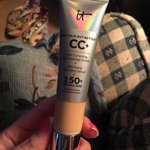 It cosmetics CC+ Light Medium